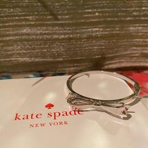 🎀Kate Spade Silver Ribbon Bracelet🎀
